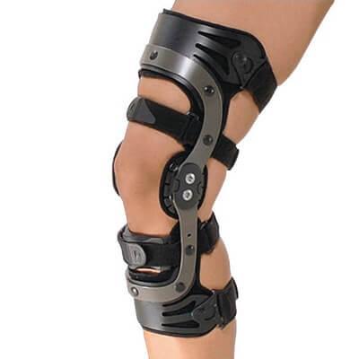 уменьшение нагрузок на коленный сустав с помощью фиксаторов